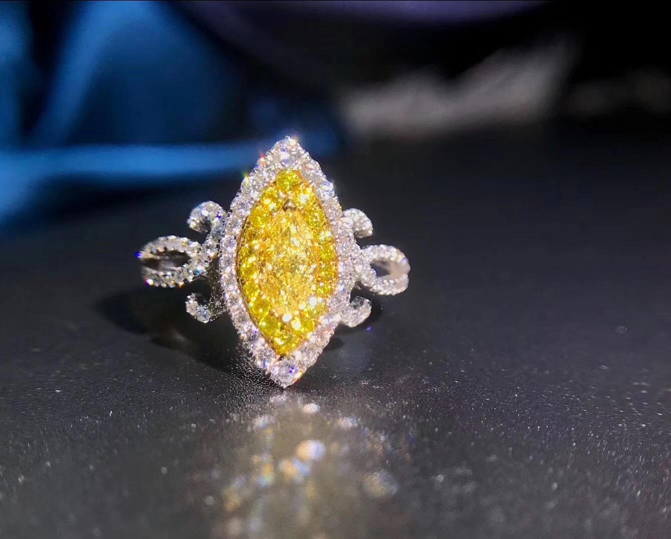 Yellow diamond maqurise