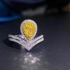 Yellow diamond pear